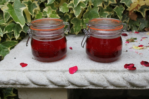 Rose petal jelly 010